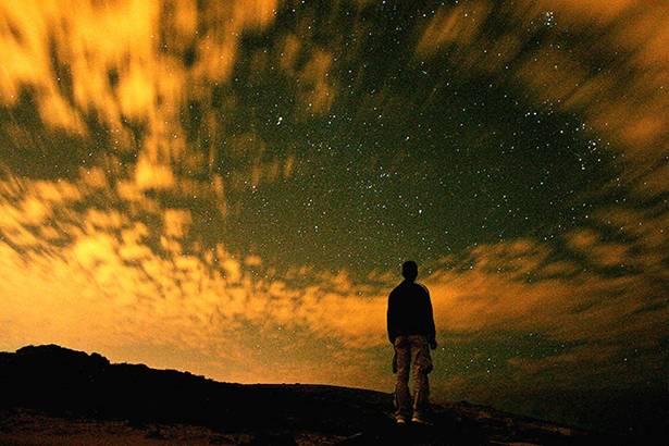 hombre-cielo-respuesta-reflexion-ricardolatouchetarot-tarot-horoscopo