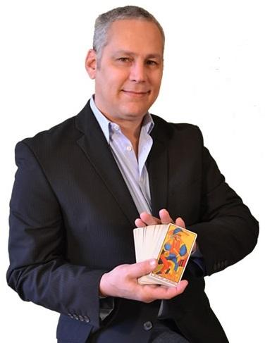 Ricardo Latouche Tarot, Lectura de Cartas del Tarot, Tirada de Cartas del Tarot.